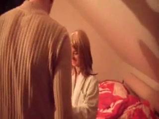 Немецкая брюнетка в в интимном видео дрочит киску пальчиками и ублажает партнёра