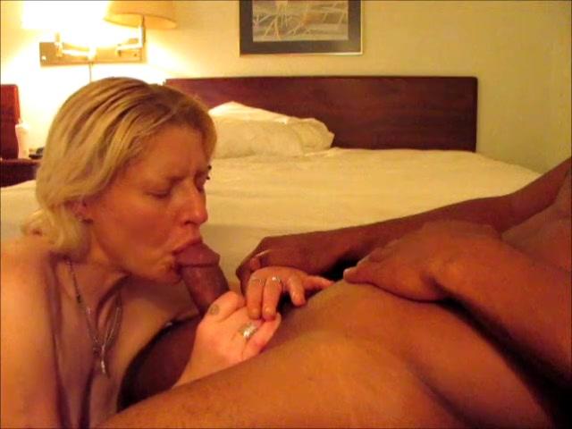 Порно с сосанием